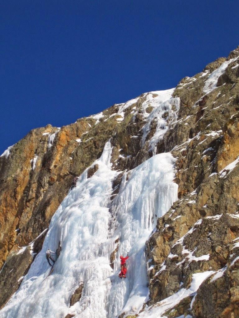 cascade glace alpes huez - janv09 (18)